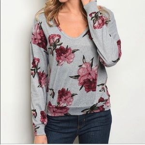 Final Clearance♦️Floral v-neck sweater